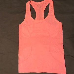 Lululemon Swifts tech Tank. Excellent condition.